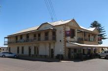 Arno Bay Hotel Motel